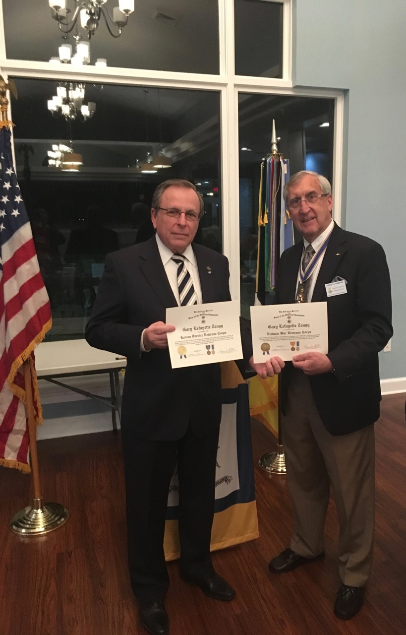 President Ken Hawkins presents Compatriot Gary Zaugg with Certificates of Patriotism