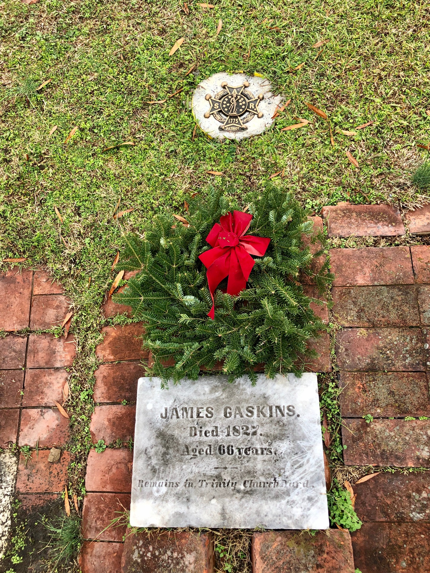 Grave of James Gaskins with wreath